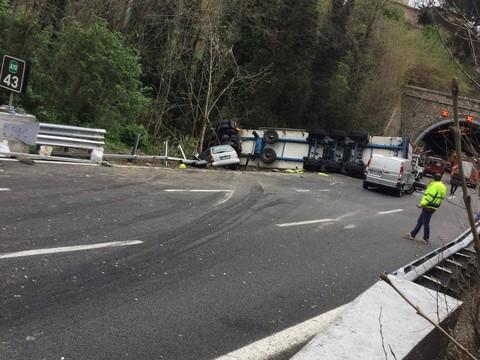 """Incidente sulla A10, ATA PC Savona """"Stop al rischio di camion in autostrada"""""""